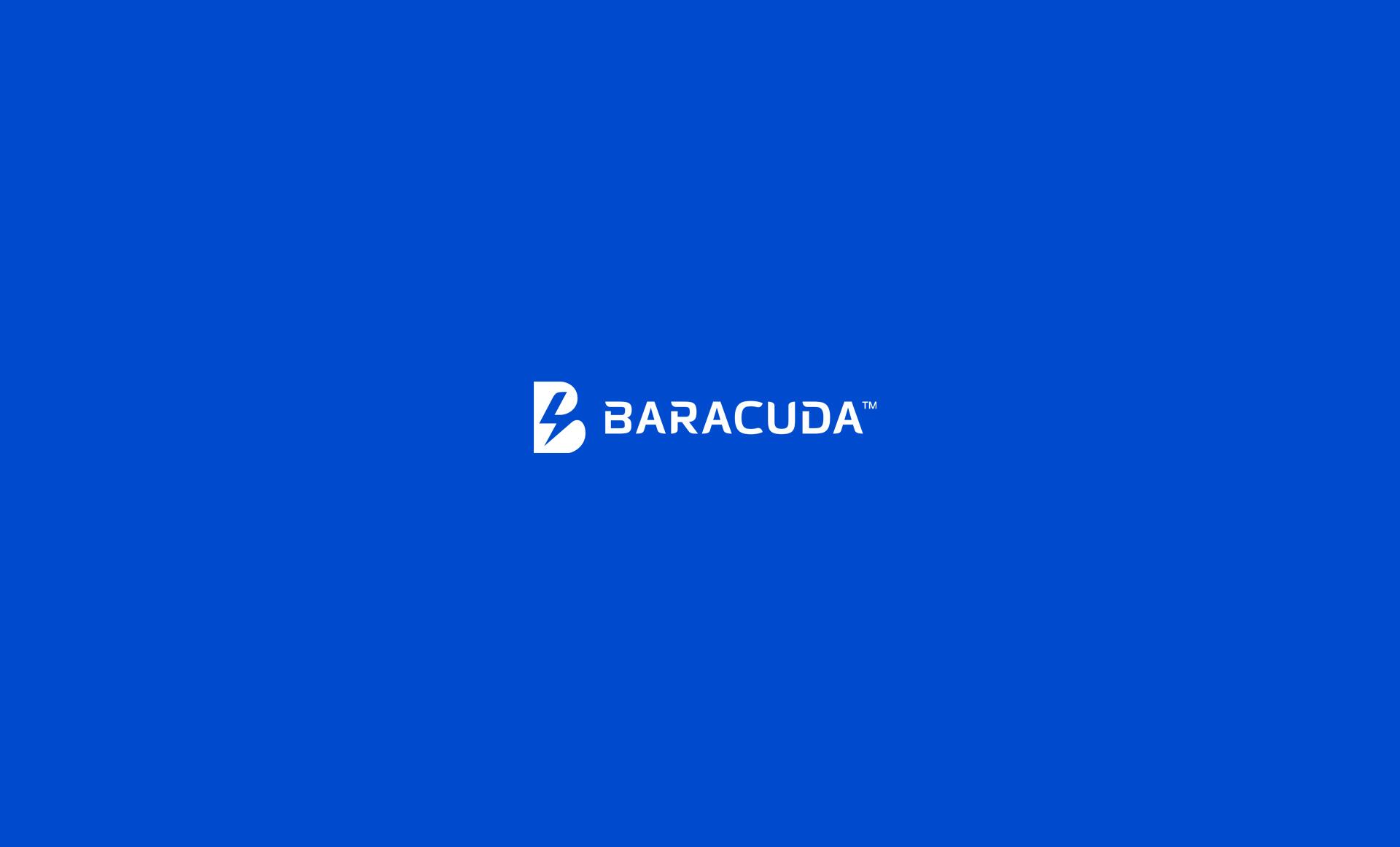 Białe logo baracuda na niebieskim tle