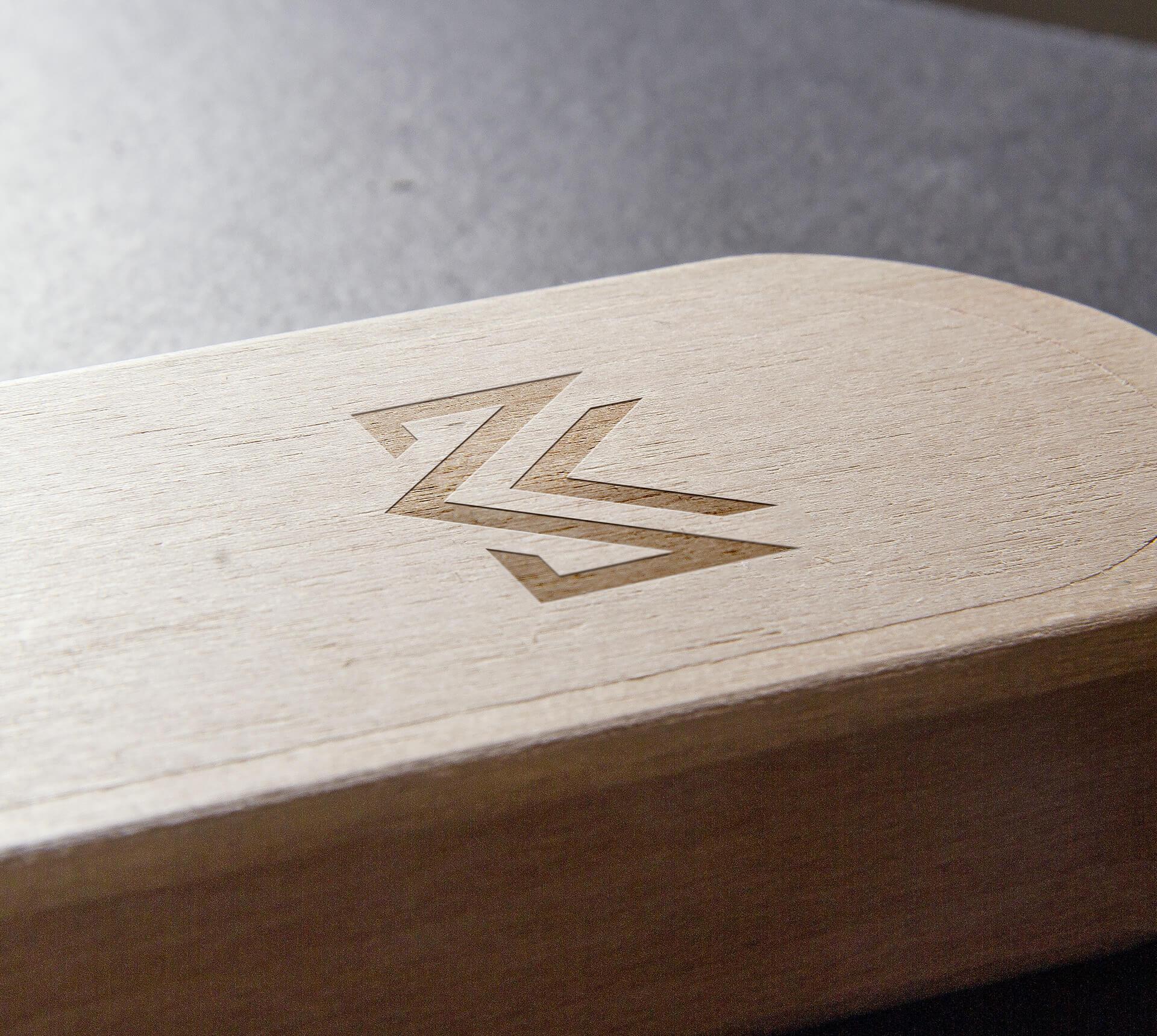 Logo w drewnie Misuro design